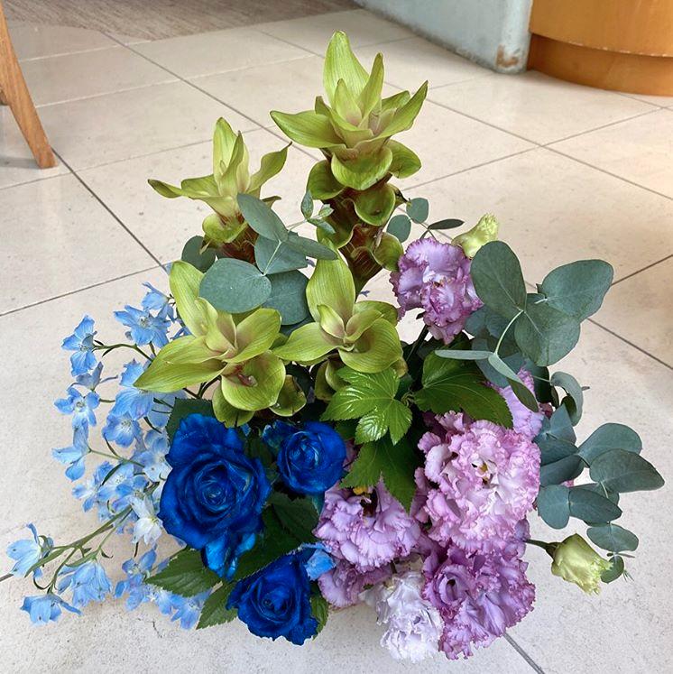 お祝いにいただいた花